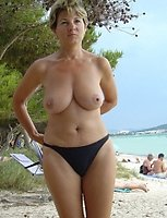 Horny mature women, houswives, wives, sex pictures